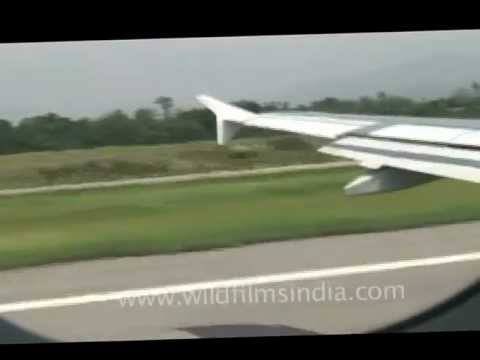 Plane speeding on the runway before take off!