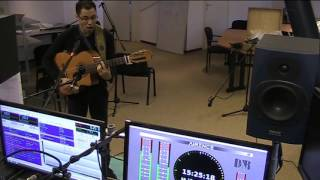 Singer songwriter Dumang Summer sings Clarify at MusicMagic December 19, 2015