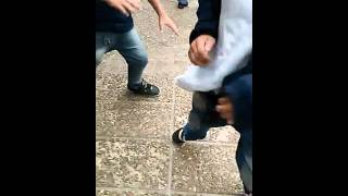 PIÑAS A LA SALIDA DE LA ESCUELA CEFERINO