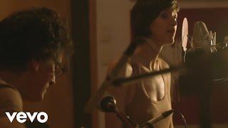 Pauline Croze - A Felicidade (session acoustique) ft. Vinícius Cantuária