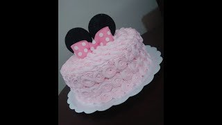 Bolo Minnie Rosa  #bolodecorado #confeitariaartesanal #MRBolosTortasCupcakes