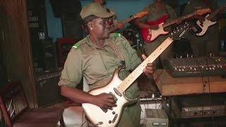 Guinée, Les amazones de Guinée, un orchestre 100% féminin