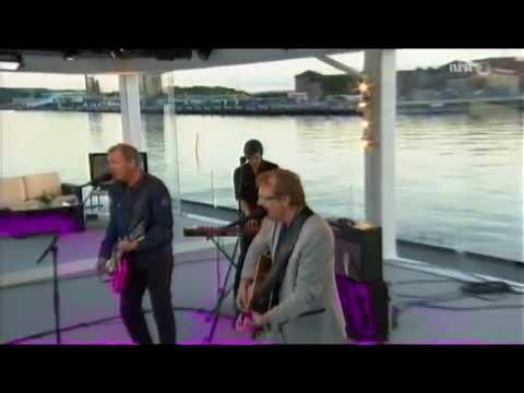 delillos-lykkelig-fyr-live-sommerapent-2012-kaare-k-johnsen