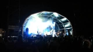 UHF (Live @ Rock no Rio Sado 2014)