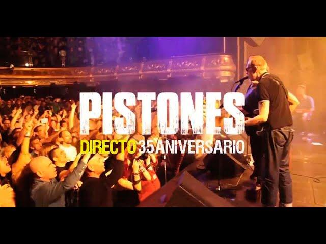 """Trailer oficial del """"Directo 35Aniversario"""". Consíguelo en https://itunes.apple.com/es/album/directo-35-aniversario-live/id1177611451, también disponible en Cd y Dvd. Grabado en Joy Eslava (Madrid) el 2/4/2016.  Ricardo Chirinos: voz y guitarra, Ambite: bajo y voces, Julián Kanevsky: guitarra, Basilio Martí: teclados, José de Lucas: guitarra y voces, Marcelo Novati: batería  Video: DpfProducciones  (dpfproducciones.com) Realización: David Pérez Fabián (davidperezfabian.com). Cámaras: Ion Elícegui, Marta Contreras, Elia Clementine, Chico Sánchez, Luis González y David Pérez Fabián.  Audio: Técnico de directo y grabación: Pedro Lastra, Mezclas: Juan de Dios Martín. Asistente: Edu Molina. Mastering: Juan Hidalgo  Staff: Stage Manager: Pedro Sánchez. Backliner: Guillermo Ochovo. Estilismo: Ana Martínez. Roady: Raquel García  Producción musical y artística: Manu Morales  Es una producción de Roll Music & © 2016. #Pistones #Directo35Aniversario #JoyEslava"""