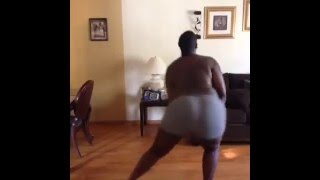 Fat Black Guy dancing to Body Party! Vine Comedy