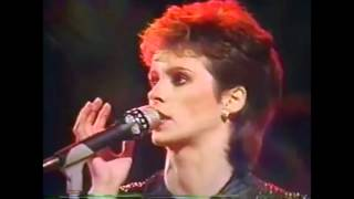 Sheena Easton - Let Sleeping Dogs Lie (Live '84)