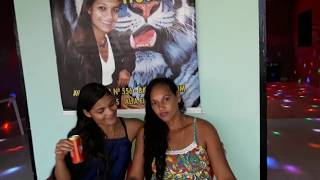 Tigresa e sua mãe Maria no bar da tigresa