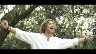 La ultima canción BSO - David Bisbal y Miley Cyrus - Te miro a ti Videoclip