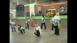 coreografia DANÇANDO NA CHUVA  Fernandinho