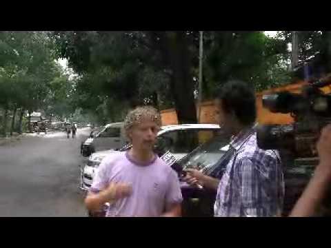 1WE op TV in Bangladesh, marc doomernik
