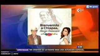 Anahí y Julion Alvarez le cantan al Papa (1N)