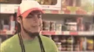 El negro canta reggaeton