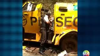 Bandidos explodem carro forte na BR 316