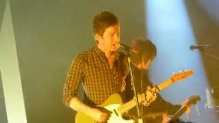 Noel Gallagher's High Flying Birds  In the Heat of the Moment   Live Fabrique Milano 14 3 2015