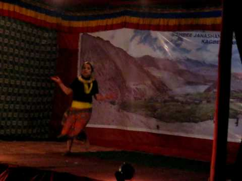Dance performance at Kagbeni 4/  Nepali Beauty
