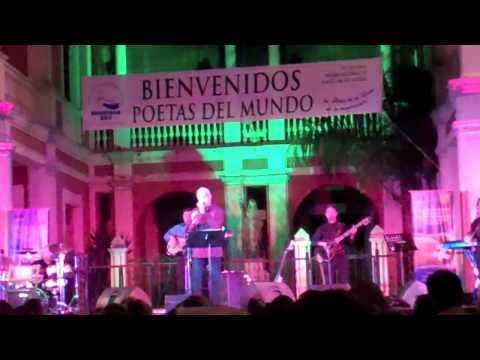 Luis Enrique Mejia Godoy canta Nicaragua Nicaraguita