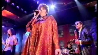 Cast from Casualty - Everlasting Love (TOTP)