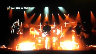 5 Seconds Of Summer Performing Hey Everybody Live