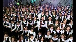 """Coro canta """"La vida es un Carnaval""""- Versus"""
