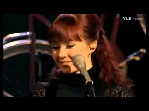 johanna-kurkela-kosketusta-vailla-vapiseva-mies-live-snowbird616