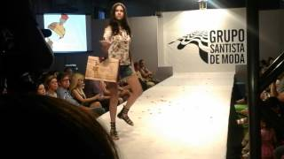 Clara Haussauer desfila VIM VI VENCI - Grupo Santista de Moda 2015