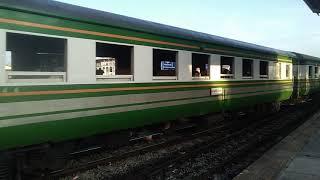 ขบวนรถท้องถิ่นที่ 490 ต้นทางคีรีรัฐนิคม - ปลายทางสถานีสุราษฏร์ธานี เข้าสถานีสุราษฏร์ธานี