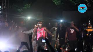 Shatta Wale walks off stage as fight breaks out among fans at Legon Hall artiste night