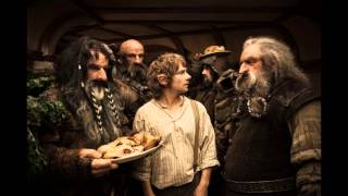 Hobbit - The unexpected journey - Dwarves song by throwing a plate
