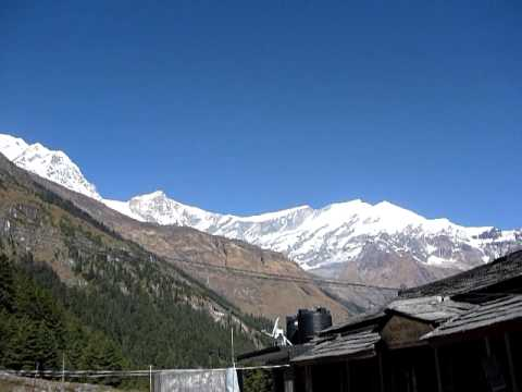 Nepal Annapurna Circuit – Kalopani Guesthouse – Rupesh our rocking MTB Guide – Turn speakers on !