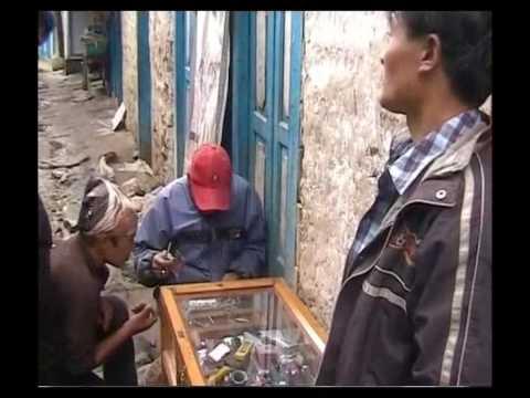 """Lukla – Phakding – Namche"" – ""Siguiendo a los Cachorros"" – Clip.2"