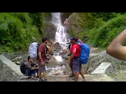 Annapurna circuit trekking, record waterfall Nepal