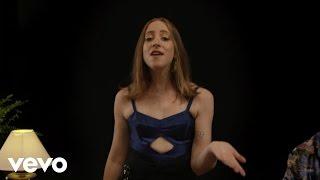 Laura Wrona - Ocupado Tem Gente