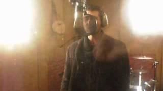 LOS MONARCAS GRABANDO EN ESTUDIO BOBY RECORDS (PONTEVEDRA).wmv