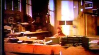 ALF sings and Moonwalks to Michael Jackson's Billie Jean~1988