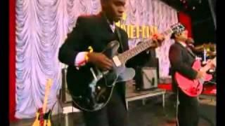 Amy Winehouse-Cherry (Live Glastonbury 2007)