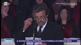 """Funerali Frizzi, Falvio Insinna legge la poesia """"Amicizia"""" di Borges - La Vita in Diretta 28/03/2018"""