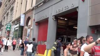 Primeira unidade dos bombeiros a prestar socorro no World Trade Center - Ângelo & Priscilla