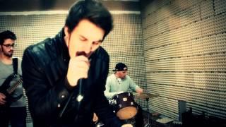 Ornatos Violeta - Dia Mau (Videoclipe,  Claudio Pinto e Joao Fialho)