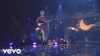 Grace VanderWaal - Moonlight (Live from YouTube's VidCon)