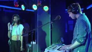 AlunaGeorge - La La La in the Radio 1 Live Lounge