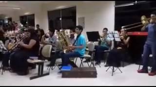 Com Cristo é vencer - Cassiane (Orquestra Clarim Celeste)