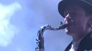 """Męskie Granie 2016. Wojtek Mazolewski Quintet feat. Zespół Pieśni i Tańca """"Śląsk"""" – Bombtrack"""