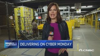 Here's what an Amazon fulfillment center looks like on Cyber Monday