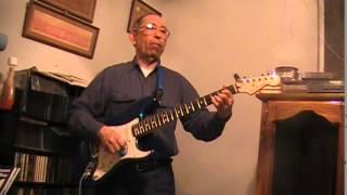 Francisco Guzmán . Guitarra Armonía Acompañando Gloria de Los Rockin Devils, años 60s.