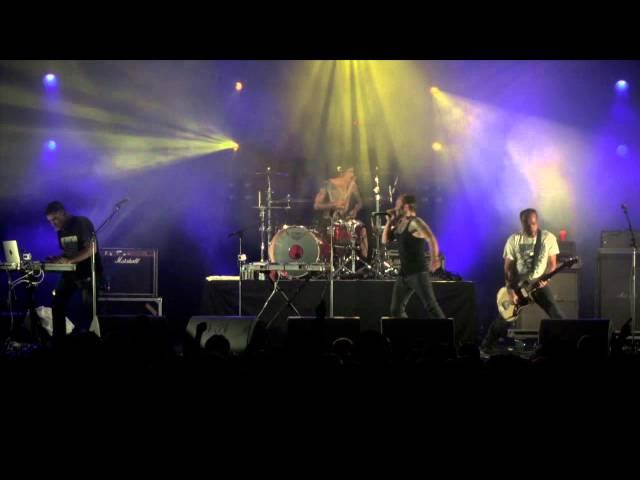 Video de La Phaze en directo tocando Control Panel
