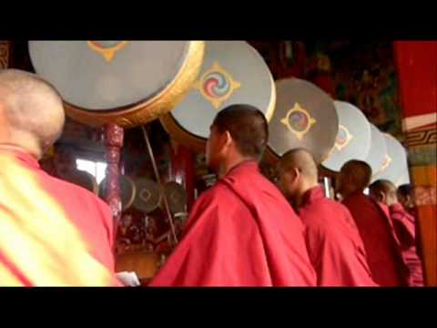 ALIDA tutto nepal 2010 – 10 CERIMONIA nel GOMPA.wmv