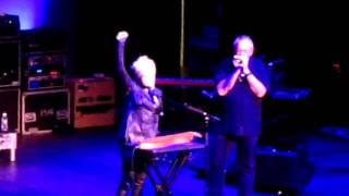 Cyndi Lauper - True Colors (Sydney 2011)