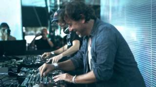 Benny Benassi  feat. Gary Go - Close to Me