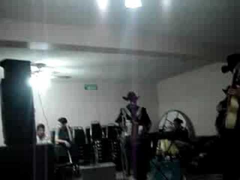 Amigo Mesero de Los Domadores Del Valle Letra y Video